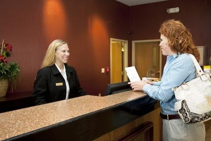 Photo 2 - Holiday Inn Owatonna