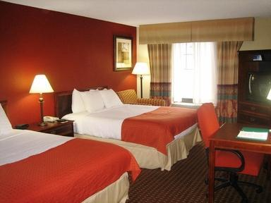 Photo 3 - Holiday Inn Owatonna