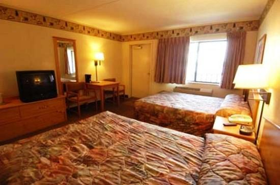 Photo 3 - Gateway Lodge & Suites
