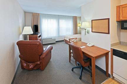 Photo 3 - Candlewood Suites - Dallas Market Center