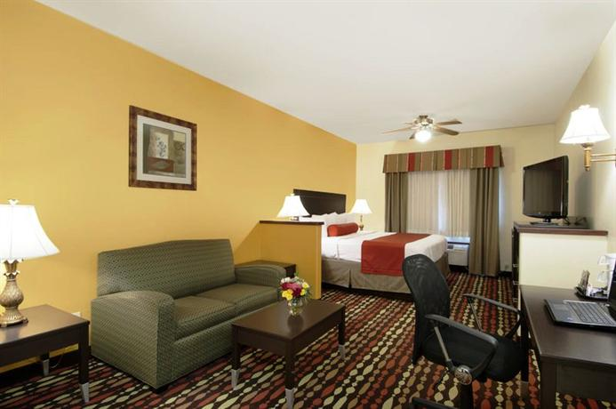 Photo 3 - BEST WESTERN Greentree Inn and Suites