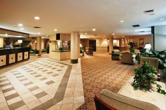 Photo 3 - Holiday Inn Norman