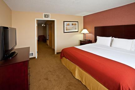 Photo 3 - Holiday Inn Express Hotel & Suites Sharonville