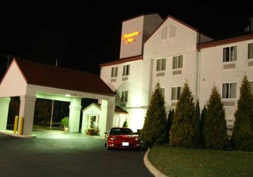 Photo 3 - Hampton Inn Sandusky-Central
