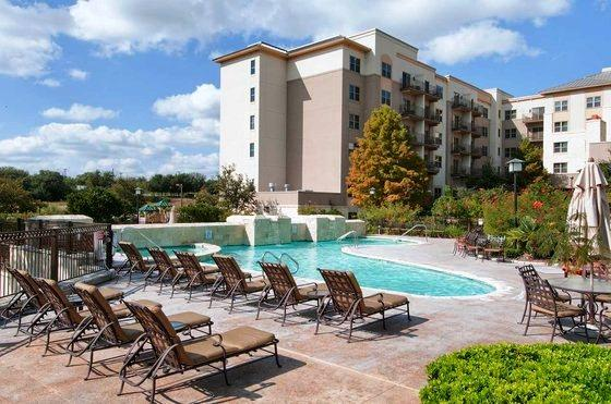 Photo 3 - Hilton San Antonio Hill Country Hotel & Spa