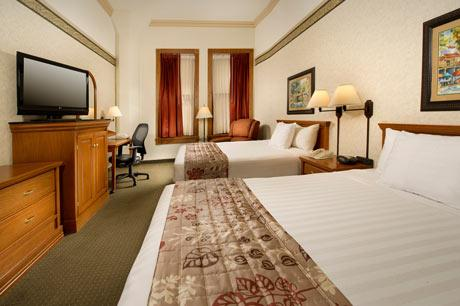 Photo 3 - Drury Inn & Suites Riverwalk