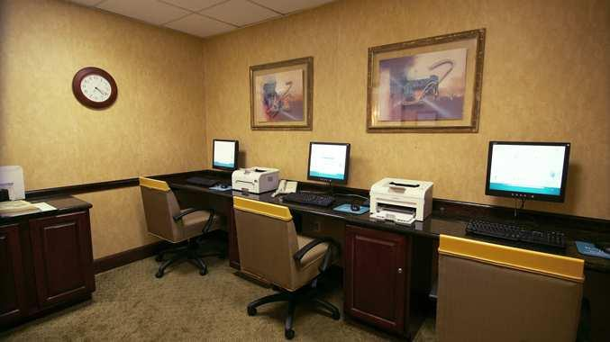 Photo 2 - Doubletree Hotel San Antonio Airport