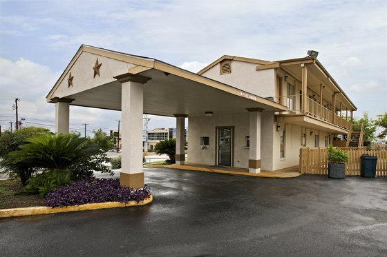 Photo 1 - Americas Best Value Inn San Antonio Ft. Sam Houston