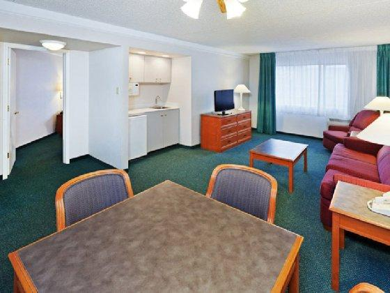 Photo 3 - La Quinta Inn and Suites Lubbock West Medical Center