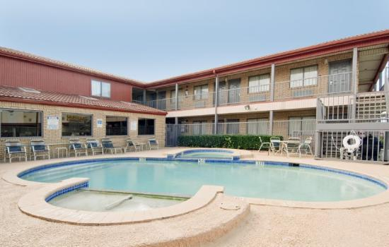 Photo 1 - Americas Best Value Inn And Suites Lewisville
