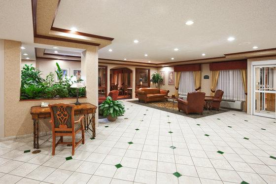 Photo 3 - Holiday Inn Express Hotel & Suites Dallas Lewisville