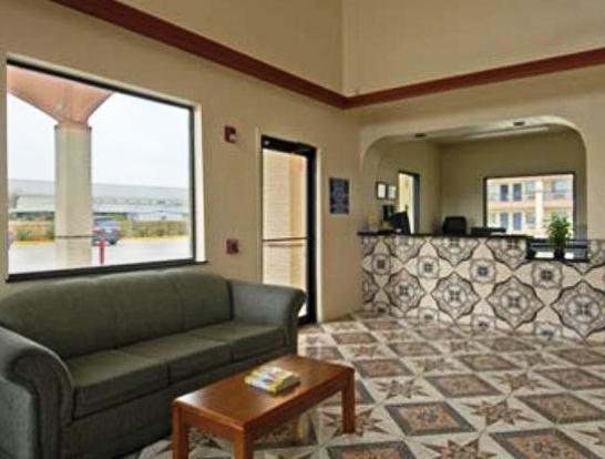 Photo 3 - Kemah Days Inn