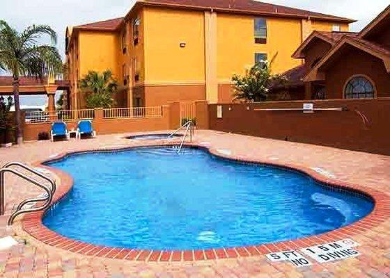 Photo 2 - Comfort Inn Edinburg