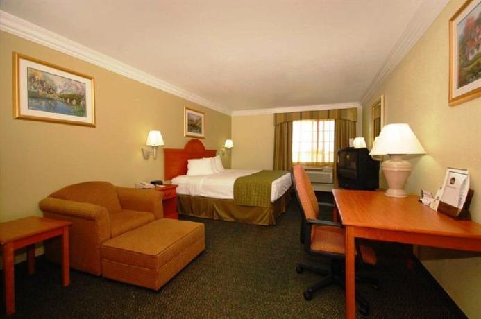 Photo 1 - Best Western Winscott Inn & Suties Benbrook Fort Worth