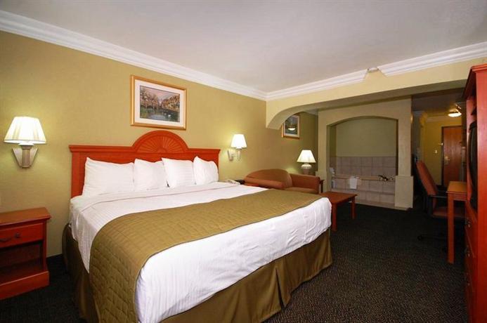 Photo 3 - Best Western Winscott Inn & Suties Benbrook Fort Worth