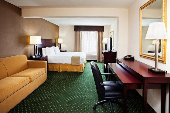 Photo 1 - Holiday Inn Express Murfreesboro Central