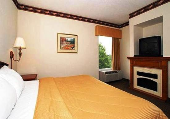 Photo 2 - Comfort Inn Blythewood