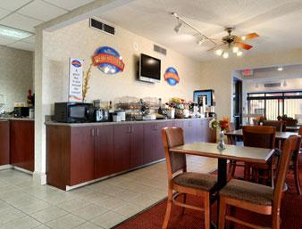 Photo 2 - Baymont Inn & Suites - Riverside Drive