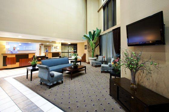 Photo 2 - Holiday Inn Express Harrisonburg