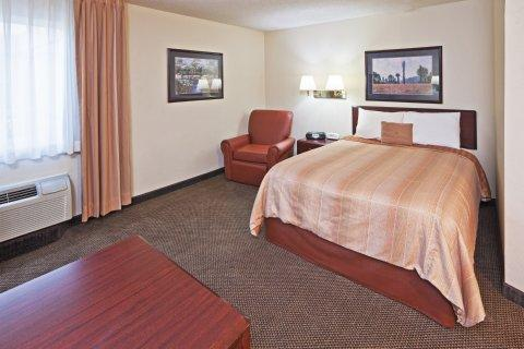 Photo 3 - Candlewood Suites Dallas Park Central