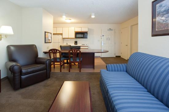 Photo 2 - Hawthorn Suites by Wyndham Salt Lake City-Fort Union