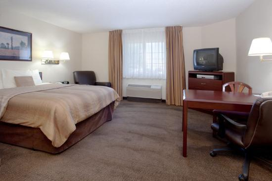 Photo 3 - Hawthorn Suites by Wyndham Salt Lake City-Fort Union