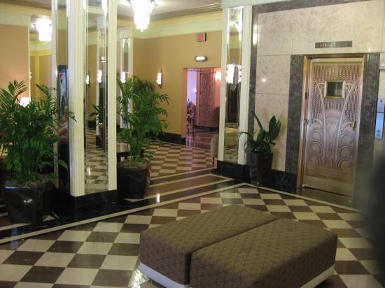 Photo 3 - Ambassador Hotel Milwaukee
