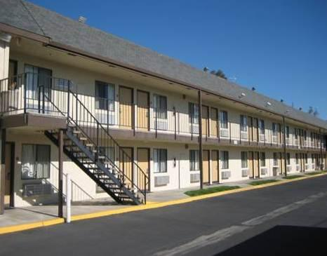 Photo 1 - Econo Lodge North Parkway Drive