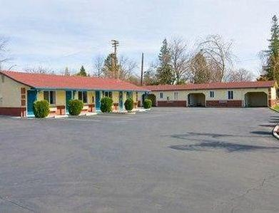 Photo 2 - Budget Inn Chico