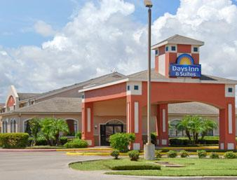 Photo 1 - Days Inn & Suites Corpus Christi Central