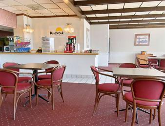 Photo 1 - Econo Lodge West Oklahoma City