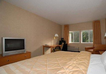 Photo 3 - Quality Inn and Suites Des Moines
