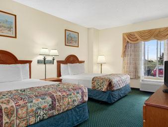 Photo 3 - Baymont Inn & Suites Universal Studios