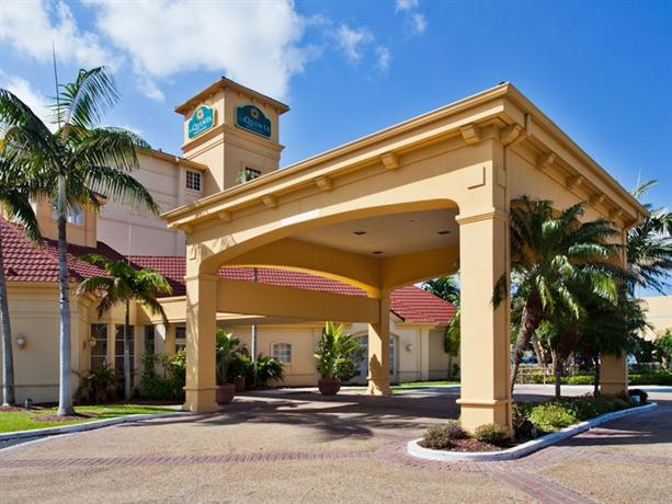 Photo 1 - La Quinta Inn & Suites Miami Airport West
