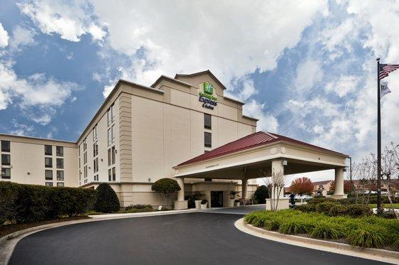 Photo 3 - Holiday Inn Express Hotel & Suites University Wilmington (North Carolina)