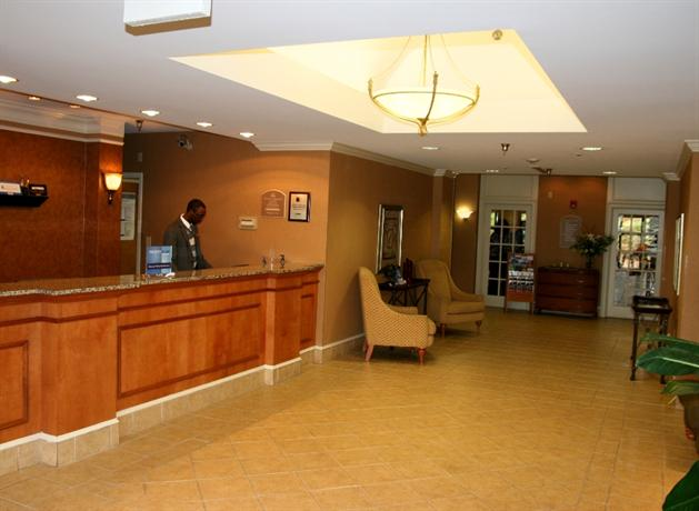 Photo 2 - Holiday Inn Express Hotel & Suites Birmingham Irondale