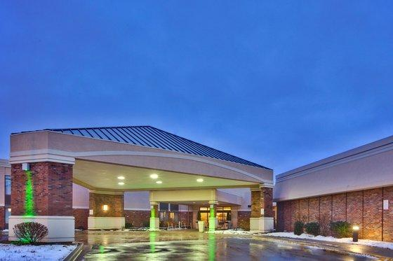 Photo 3 - Holiday Inn Rochester Airport