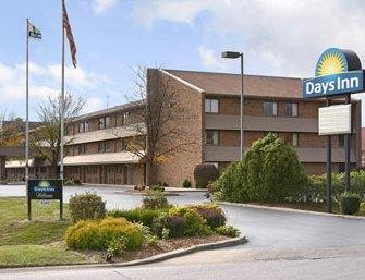 Photo 1 - Days Inn Hurstbourne