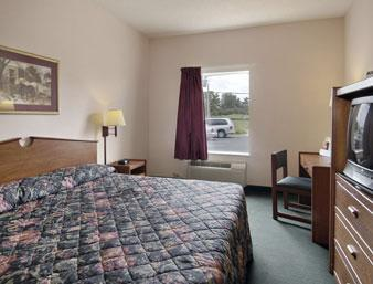 Photo 3 - Howard Johnson Express Inn Airport Louisville
