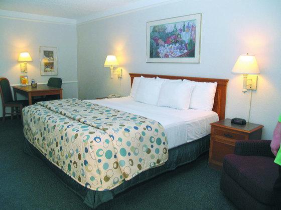 Photo 2 - La Quinta Inn Knoxville West