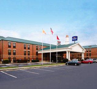 Photo 1 - Baymont Inn & Suites Knoxville Cedar Bluff