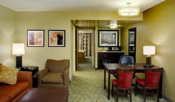 Photo 3 - Embassy Suites Hotel Columbus