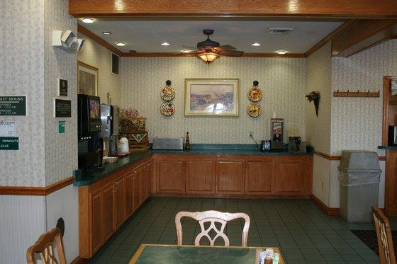 Photo 1 - Country Inn & Suites Columbus-West