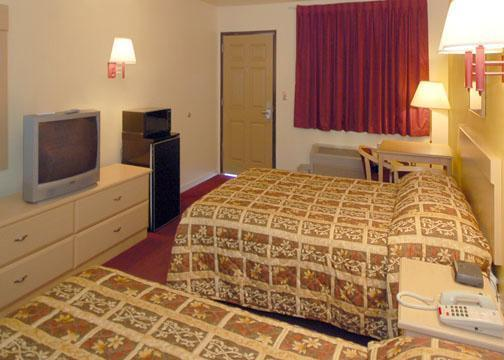 Photo 2 - Mid Towne Inn and Suites