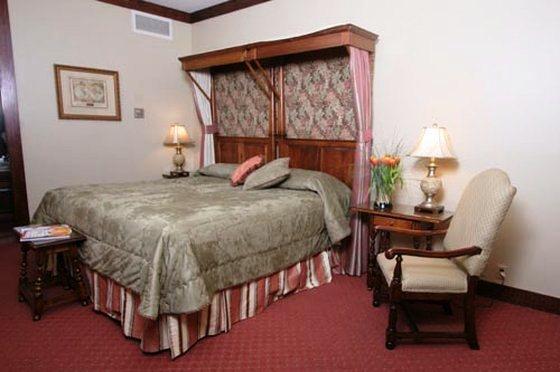 Photo 3 - Anchorage Inn Charleston