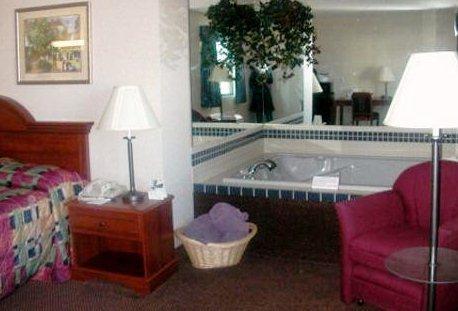 Photo 3 - Country Hearth Inn Mexico (Missouri)