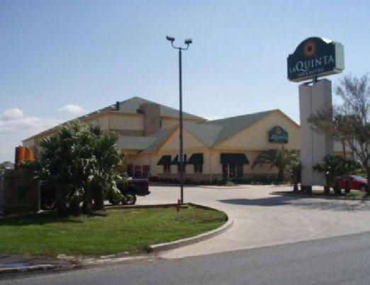 Photo 2 - Baymont Inn and Suites New Orleans