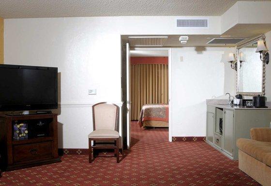Photo 2 - Embassy Suites Hotel Tucson-Williams Center