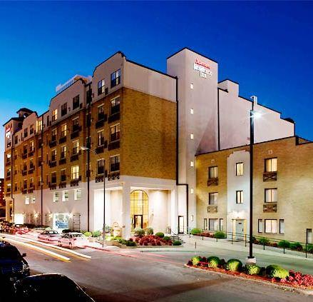 Photo 3 - Residence Inn Kansas City Country Club Plaza