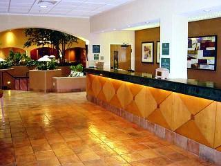 Photo 2 - Embassy Suites Kansas City - International Airport